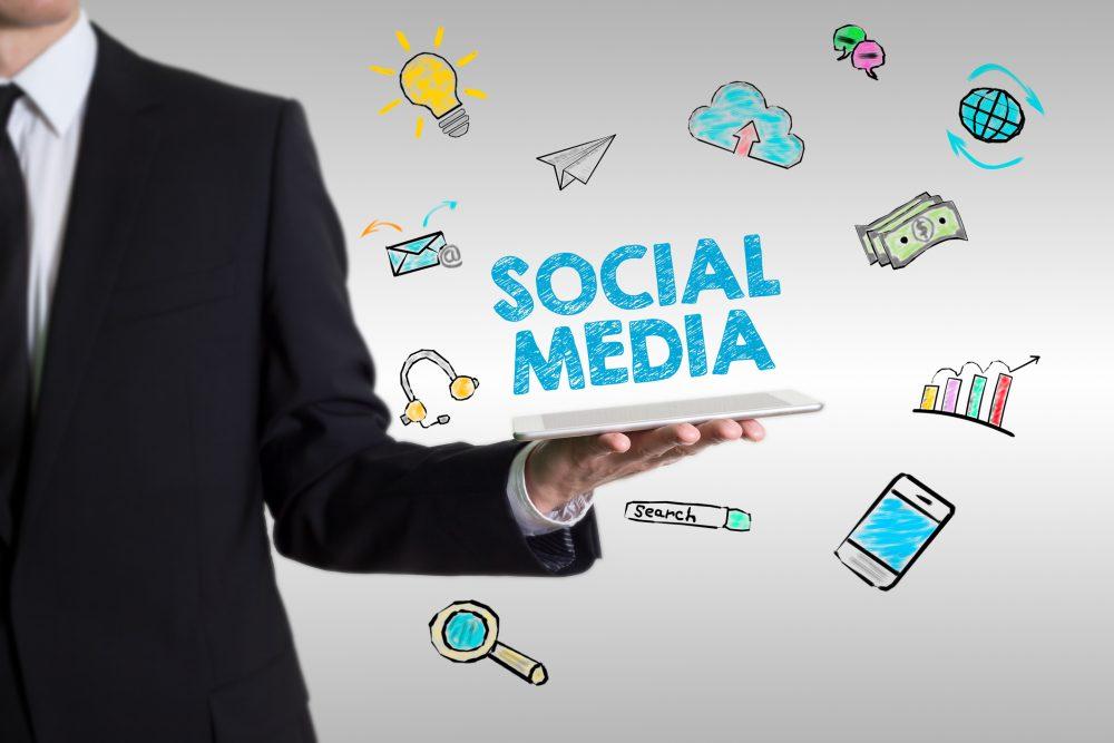 sur les réseaux sociaux